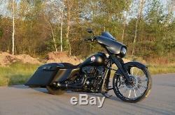 Harley-Davidson FLHXS Street Glide Special Bagger Umbau 26 Rake Body Stretched