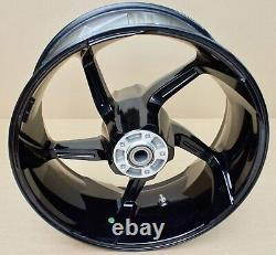 Harley original Rad hinten 18x8 Wheel pro street CVO rear Wheel Softail Breakout